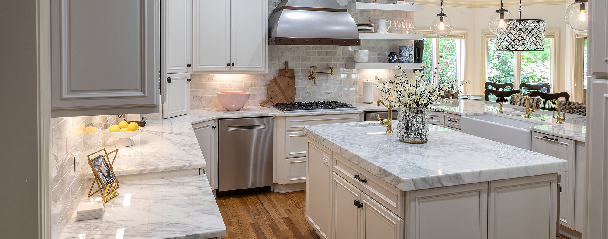 Marble Countertops and Kitchen Cabinets